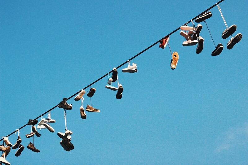 נעליים על חוטי חשמל